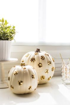 Sparkly DIY | Sequined polka dot pumpkins.