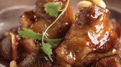 Souris d'agneau aux figues et aux amandes _ http://www.cuisineaz.com/dossiers/cuisine/plats-viandes-noel-14267.aspx