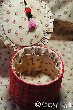 Sewing Appliques, Bag Organization, French Artists, Ribbon Embroidery, Decorating Your Home, Cecile, Purses And Bags, Needlework, Creations