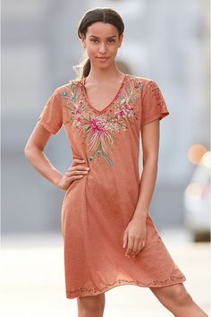 Our Kaira Draped Tunic Dress is the perfect summer dress to take you from beach to town with ease. The relaxed fit and ultra-soft fabrication are ideal for everything from weekend brunch to warm evenings spent outdoors. Boho Clothing, Clothing Accessories, Johnny Was, Boho Outfits, Tunic Tops, Summer Dresses, My Style, Casual, Clothes