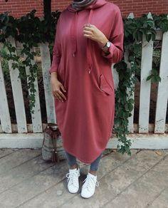 Oversized sweater dress hijab style – Just Trendy Girls Hijab Fashion 2016, Modern Hijab Fashion, Street Hijab Fashion, Muslim Fashion, Fashion Outfits, Hijab Style, Hijab Chic, Ootd Hijab, Casual Hijab Outfit