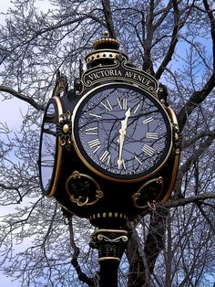 Challenge yourself with this THEME ~ Time Pieces ~~ Street Clock ~ Newport, RI . Gorgeous full size jigsaw puzzle for free. Big Clocks, Cool Clocks, Steampunk, Outdoor Clock, Foto Poster, Time Clock, Antique Clocks, Vintage Clocks, Grandfather Clock