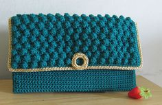 New crochet patterns purse crocodile stitch Ideas Crochet Jacket Pattern, Crochet Purse Patterns, Crochet Shell Stitch, Bobble Stitch, Crochet Simple, Diy Crochet, Learn Crochet, Tutorial Crochet, Crochet Handbags