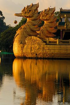 Karaweik floating restaurant in Yangon, Myanmar (by Hartfried Schmid).