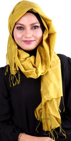 Earth Heir Silk Plain Shawl in Metallic Gold  Product Code: EH30173SLSKMG03 Availability: In Stock Order through Whatsapp/SMS: 019-292-5245 Expected delivery time (2-3 working days) RM173