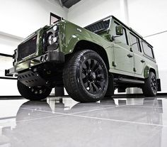 The Ultimate Defender, the Urban Truck RS feauturing the complete styling package with blistering Corvette Performance. Defender Camper, Land Rover Defender 110, Defender 90, Jimny Sierra, Mercedes Benz Suv, Car Throttle, Range Rover Supercharged, Celebrity Cars, Best Suv