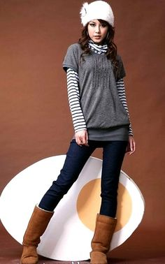 25 Casual Winter Outfits For Teen Girls - Pinmagz Winter Outfit For Teen Girls, Cute Teen Outfits, Casual Winter Outfits, Outfits For Teens, Funky Leggings, Trending Outfits, Nice Dresses, Leather Jacket, Clothes For Women