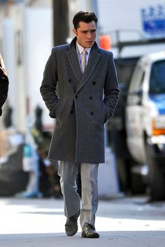 Benny You should probably know that this is Chuck Bass…. Chuck Bass Style, I'm Chuck Bass, Disney Channel, Chuck Bass Ed Westwick, Gossip Girl Fashion, Gossip Girls, Chuck Blair, Like A Boss, Coat Dress