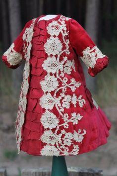 Antique-doll-dress-velvet-lace-silk-French-Bebe-antique-dolls