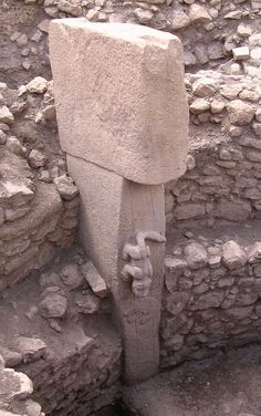 Göbekli Tepe ~ Wikipedia This (recent) discovery DOUBLED the known history of humankind.yes, this site is over years old. That is 7000 years older than Stonehenge & the Egyptian pyramids. Ancient Ruins, Ancient Artifacts, Ancient History, European History, Ancient Greece, Ancient Egypt, American History, Architecture Antique, Cultural Architecture