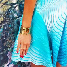 Coco Louise wearing the World Cuff // ARTELIER http://www.artelier.mx/collections/shop/products/world-cuff?variant=4456620165