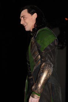 Tom Hiddleston crashes SDCC 2013 as Loki. And it was glorious.