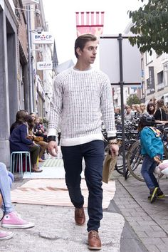 Jumper & jeans KCA. www.supergoods.be