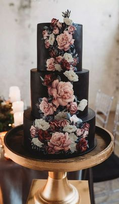 100 Pretty Wedding Cakes To Inspire You - Moody wedding cake ideas #weddingcake #cake #rusticweddingcake #weddingcakes #nakedweddingcake