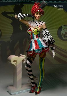 Natalya's wall photos Fotografias no painel de comentár. Circus Fashion, Fashion Art, Fashion Show, Fashion Design, Oktoberfest Outfit, Vintage Circus, Party Outfit Plus Size, Cool Costumes, Halloween Costumes
