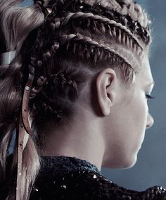 """The Hottest Pictures Of Katheryn Winnick (Lagertha Lothbrok) From The Hit Show """"Vikings"""" Braided Hairstyles, Wedding Hairstyles, Cool Hairstyles, Braid Styles, Short Hair Styles, Warrior Braid, Lagertha Hair, Bracelet Viking, Viking Jewelry"""