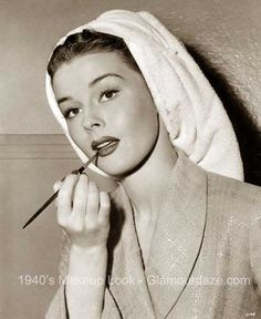 elaine-stewart-1940s-makeup.lipstick brush application tricks