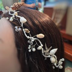 Best Indoor Garden Ideas for 2020 The number of internet users who are looking for… Boho Bridal Hair, Beach Wedding Hair, Bridal Hair Flowers, Bridal Hair Vine, Bridal Crown, Wedding Stuff, Flower Girl Hairstyles, Wedding Hairstyles, Seashell Wedding