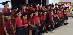 Entrega de Diplomas a los niños de Kids 5. Cantaron el Gaudeamus infantil, y ¡nos llevaron! de viaje por distintos países y continentes del mundo: México,  África, China y USA. ¡FELICIDADES!