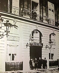 While honeymooning in Paris (Feb 1896) The Duke and Duchess of Marlborough (Consuelo Vanderbilt) stayed at the Hôtel Bristol, 3-5 Place Vendôme. She had stayed there during previous visits to Paris with her mother Alva Vanderbilt.