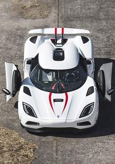 Visit The MACHINE Shop Café... ❤ The Best of Königsegg... ❤ (The 2013 Königsegg Agera R)