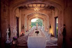 The atmosphere looks amazing. (Deux Belettes New South Wales Hinterland Australia wedding venue)