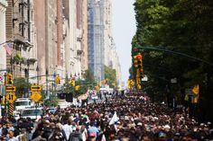 The line to see the pope in Central Park grew to massive proportions, despite the limited tickets provided by the city.
