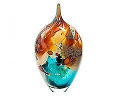 Pointed tropical vase by Peter Layton Glass Vessel, Mosaic Glass, Glass Art, Tropical Vases, Gourd Crafts, Beautiful Things, Passion, Sculpture, Kunst