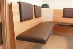Esstisch mit Eckbank - Freitragende Sitzfläche Corner Banquette, Ikea Hack, Knife Block, Benches, Living Area, Dining Room, Interior, Inspiration, Ideas