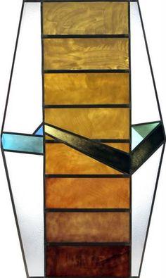 Lead stained glass/ Witraż wykonany techniką klasyczną w pracowni witrażu Bzik Studio. Szkło malowane oraz wypalane w wysokiej temperaturze w piecu elektrycznym. http://www.bzikstudio.com http://www.facebook.com/bzikstudio