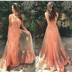 Em qual ocasião usariam? Comentem!  #universodasnoivas #noiva #wedding #weddingday #casamento #casamentos #vestido #vestidos #voucasar #vestidodefesta #vestidodenoiva #bride