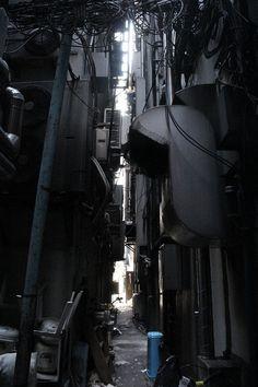 "atlantidex: ""  【サイバーパンク】歌舞伎町の路地裏の写真貼ってく【禁断の現場に行ってきた!!】:哲学ニュースnwk "" Cyberpunk City, City Landscape, Urban Landscape, Urban Photography, Street Photography, Bg Design, Ghost In The Machine, Dark City, Alleyway"