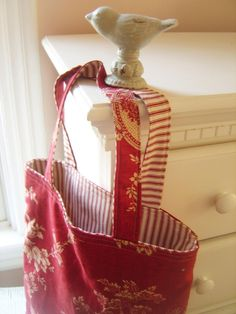 Q-made: Craft: Vintage Fabric Tote Bag