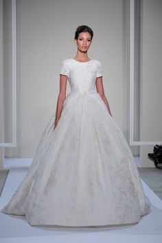 Pin for Later: All the Most Beautiful Princess Dresses From Bridal Fashion Week Dennis Basso for Kleinfeld