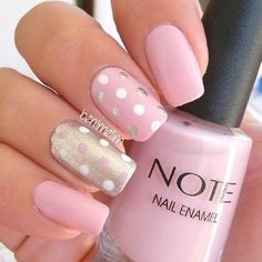 If you're looking to do seasonal nail art, spring is a great time to do so. The springtime is all about color, which means bright colors and pastels are becoming popular again for nail art. These types of colors allow you to create gorgeous nail art. Fancy Nails, Diy Nails, Cute Nails, Dot Nail Art, Polka Dot Nails, Polka Dots, Striped Nails, Stylish Nails, Trendy Nails