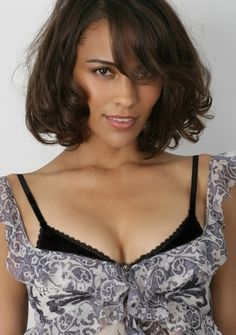 Paula Patton - cute relaxed and wavey brunette bob Paula Patton, Denise Vasi, African American Beauty, Brunette Woman, Brunette Bob, Celebrity Beauty, Hot Actresses, Girl Crushes, Gorgeous Women