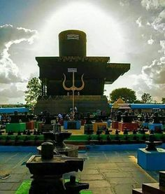 No photo description available. Shiva Linga, Shiva Shakti, Lord Shiva Statue, Lord Shiva Hd Images, Lord Shiva Family, Lord Mahadev, Lord Shiva Painting, Shiva Art, Om Namah Shivaya