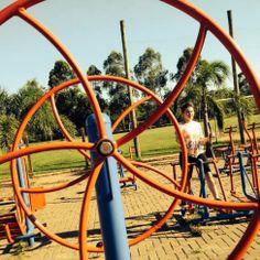`Parque dos Dick, em Lajeado. Exercício e a roda da vida.
