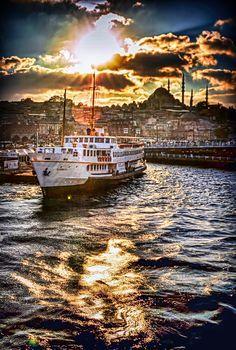 istanbul's eyes by Yaşar Koç on 500px