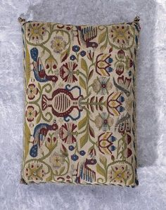 Pin cushion | Sheldon Tapestry Workshops | V&A Search the Collections 1600-1629