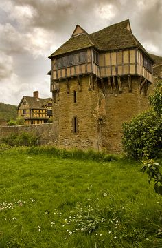 Stokesay_1 A perfect example of a gentleman's fortified house, near to the Welsh border... built on profits from the woolen trade in the early 16th century.