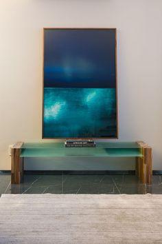 Apartamento ganha décor cinza e ambientes integrados (Foto: Divulgação)