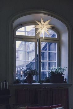 - Mokkasin - Lilly is Love Cottage Christmas, Christmas Star, All Things Christmas, Classy Christmas, Christmas Ideas, Scandinavian Home, Scandinavian Christmas, Wood Sliding Closet Doors, Driving Home For Christmas