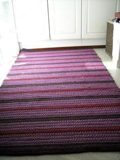 Hall Carpet Runners For Sale Info: 5440646736 Dark Carpet, Beige Carpet, Modern Carpet, Crochet Carpet, Crochet Home, Crochet Rugs, Carpet Squares, Painting Carpet, Rug Inspiration