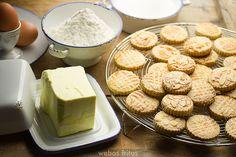 Pastas noruegas by webos fritos, via Flickr