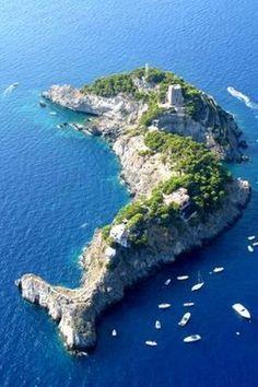 Privé-eilanden te huur - Li Galli island voor de kust van Amalfi in Italië