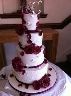 Not loving the cake topper, but this cake. STUNNING.