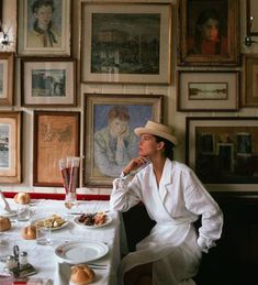 The best interiors from the Vogue archive British Vogue - Linda Dragon - . The best interiors from the Vogue archive British Vogue – Linda Dragon – Jacquemus, Winter Mode, Fall Winter, Hot Heels, Looks Cool, Gallery Wall, Artsy, In This Moment, Decoration