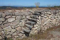 Os invitamos a pasear por el castro de San Cibrao. #historia #turismo  http://www.rutasconhistoria.es/loc/castro-de-san-cibrao