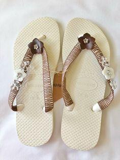 4f0b1343b4 Havaianas Flip Flops Beach Sandals White Brown MOP/Leather Flowers Beads  #Havaianas #FlipFlops #Casual